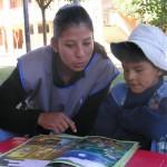 Une bénévole, future institutrice
